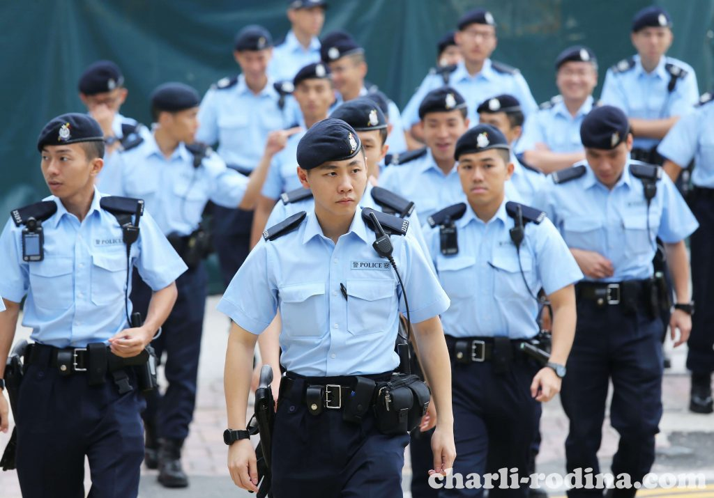 Hong Kong police จับกุมผู้คน 11 คนภายใต้กฎหมายความมั่นคงแห่งชาติของดินแดนเมื่อเช้าวันพฤหัสบดีที่ผ่านมาเนื่องจากถูกกล่าวหาว่าช่วย