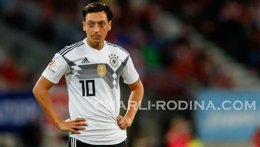 Mesut Ozil  หนึ่งในดาวเตะของทีมเยอรมนีที่พาทีมชาติความแชมป์โลกในปี 2014 ได้ตัดสินใจห้วนคืนกลับมาสู่วงการการแข่งขันของทีมชาติอย่าง
