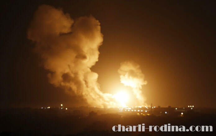 Israeli air strikes ได้โจมตีเป้าหมายในฉนวนกาซาอีกครั้งหลังปล่อยจรวดโจมตี